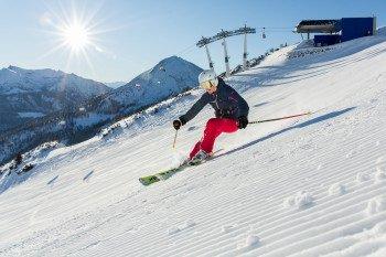 Pistenspaß im Karvendelgebirge hoch über dem Achensee - das bietet das Skigebiet Christlum in Tirol.