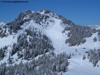 Blick auf Abfahrt vom Col Fioret (2082m)!