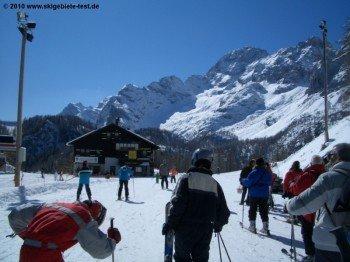 Bergstation der Pian del Crep- Gondelbahn!