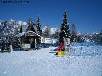Skischule an der Bergstation des Pescul- Fertazza-Liftes!