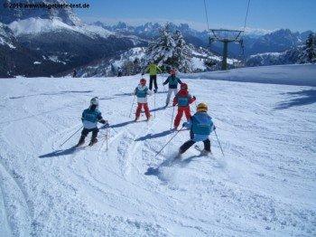Schneespaß für kleine Skigäste!
