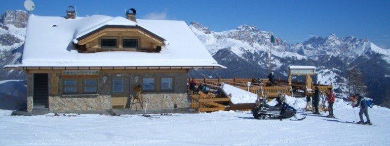 Hütte unterhalb des Col Fioret (2082m)!