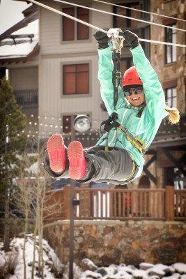 Einmal mit der Alpine Rush Zip Line in schwindelerregender Höhe über den West Lake schweben? Copper hat einiges für seine Gäste in petto.