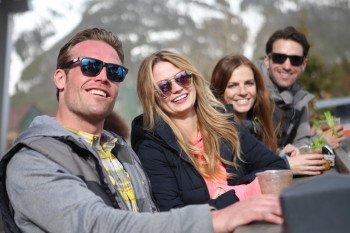 Ob Jill's Umbrella Bar, On the Rockies oder Snowbridge Square - jeder kommt im Skigebiet auf seine Kosten.
