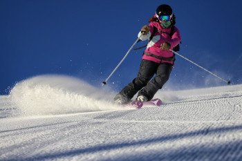 Fortgeschrittenere Skifahrer halten sich am besten im Zentrum des Skigebiets auf. Am American Eagle Lift sowie um den Timberline Express laden bestens präparierte Hänge zum Genusscarven ein.