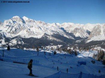Red Bull Boardercross auf Piste 61. Dieser Boardercross ist im normalen Skibetrieb nicht aufgebaut.