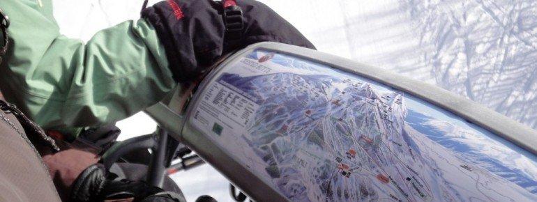 So behält man leicht die Übersicht: An den wichtigsten Liften im Skigebiet ist der Pistenplan auf den Sicherheitsbügeln angebracht.