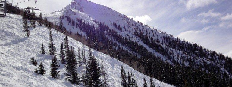 Blick vom Silver Queen Express Lift auf die extrem schweren Abfahrten Peak und Banana Funnel vom Mt Crested Butte!