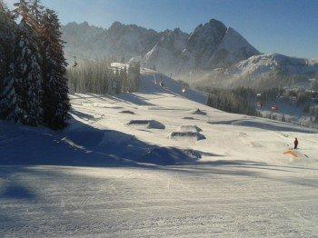 Der Snowpark Dachstein West bietet anspruchsvolle Hindernisse