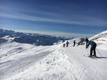 Anfangs ein Ziehweg, danach eine traumhafte Abfahrt: die Skiroute 8.