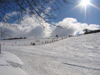 Kaiserwetter und verschneite Hänge - tolle Bedingungen für einen Skitag!