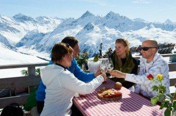 Gemütliche Einkehr im Bergrestaurant auf dem Jakobshorn