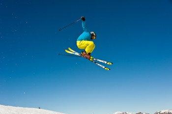 Freestyler kommen im Skigebiet Dreiländereck Arnoldstein im Funpark auf ihre Kosten.
