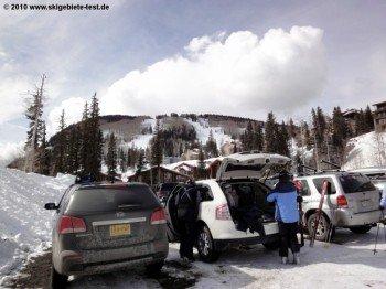 Keine Selbstverständlichkeit für amerikanische Skigebiete: Kostenloser Parkplatz in direkter Liftnähe!