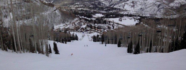 Blick auf den kleinen Skiort Purgatory Village!