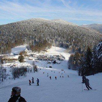 Das Skigebiet Eck wartet mit Pisten für alle Könnerstufen auf