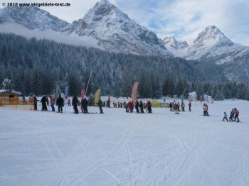 Skischule und Kinderland an der Bergstation der Ehrwalder-Almbahn!