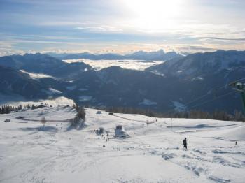 Toller Blick von den Pisten Richtung Weißensee und zu den Gailtaler und Karnischen Alpen.