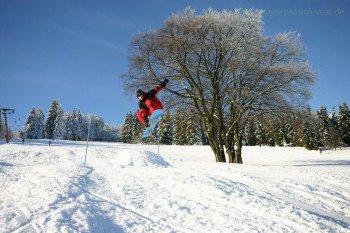Auch geübte Wintersportler können sich im Skigebiet Eschenberg an neuen Herausforderungen versuchen.