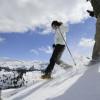 Auf Schneeschuhtouren kannst du die winterliche Landschaft erkunden.