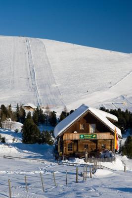 Die Zirbenhütte, hier kann man auf Vorbestellung Käsefondue oder Raclette bestellen!
