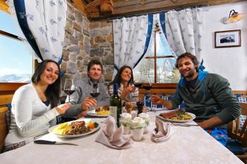 Hütten und Restaurants auf die Piste