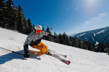 Auf insgesamt 12 Pistenkilometern können sich die Wintersportler im Skigebiet Filzmoos austoben.