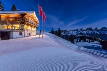 Bergrestaurant Chrüz bei Nacht
