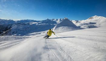 Skifahrer vor dem Spitzmeilen
