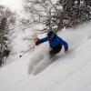 Im Skigebiet fällt jährlich bis zu 9 Meter Pulverschnee.