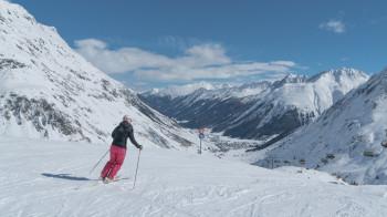 Das Skigebiet liegt schneesicher zwischen 1600 und 3100 Höhenmetern.