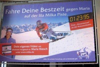 Das macht den Kindern sicher Spaß: Auf der Kreuzalm können sie gegen die Bestzeit von Maria Riesch auf einem kurzen Slalomhang fahren.