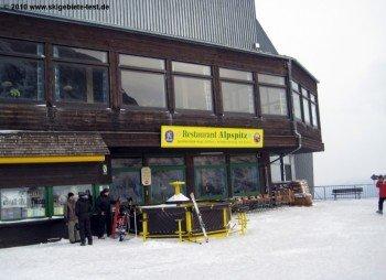 Ganz oben: Das Panoramarestaurant am 2050m hohen Osterfelderkopf, der höchste Punkt im Skigebiet.