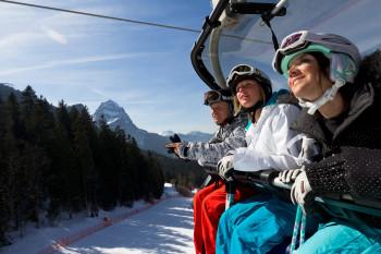 Mit dem Kandahar-Express erreichen Skifahrer die legendäre Abfahrt.