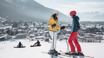 Zum Skifahren und Snowboarden stehen 1,5 Pistenkilometer zur Verfügung.