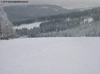 Die durchschnittliche Schneehöhe während der Saison beträgt 39cm am Berg