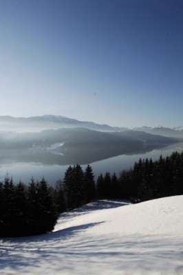 Blick auf den Millstädter See nördlich des Drautals bei Spittal in Kärnten.