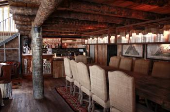 In der Vodka Bar treffen sich Skifahrer nach einem Tag auf der Piste