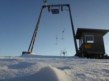 Als gemeinnütziger Verein betreibt die Interessensgemeinschaft Skilift Grevenstein mit viel ehrenamtlichem Engagement seit 1997 die Liftanlage.
