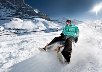 In Grindelwald und Wengen gibt es mehrere Rodelbahnen.