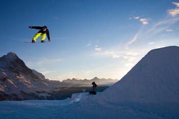 Die Eiger Nordwand bietet eine tolle Kulisse für Air Time Shots