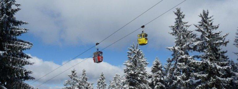 Die Kabinenbahn befördert Wintersportler auf den Bocksberg