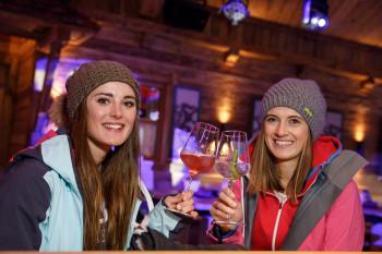 Apres Ski in der neuen Alm Arena direkt an der Talstation der 8er-Gondelbahn