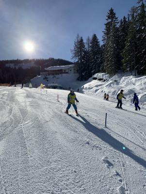 Slalomfahren in der Skischule