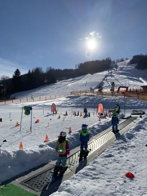 Zauberteppich im Skischulgelände