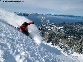 """Die berühmt berüchtigten """"Westerly Storms"""" bringen mehrmals im Jahr über einen halben Meter Neuschnee nach Heavenly."""