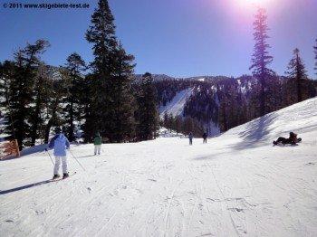 An der Bergstation der Aerial Tramway und des Gunbarrel Express Lifts! Hier finden sich die meisten einfacheren Pisten im Skigebiet.