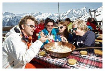 Ein orginaler Kaiserschmarrn erfreut die Gaumen der Wintersportler.