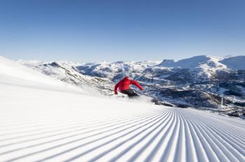 In Hemsedal erwarten dich Snow Parks, steile Abfahrten und anspruchsvolle Strecken abseits der Piste.