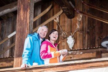 Urigen Hütten laden im Skigebiet zur Einkehr.